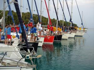 Flottieljezeilen betekent veel plezier voor groot en klein.